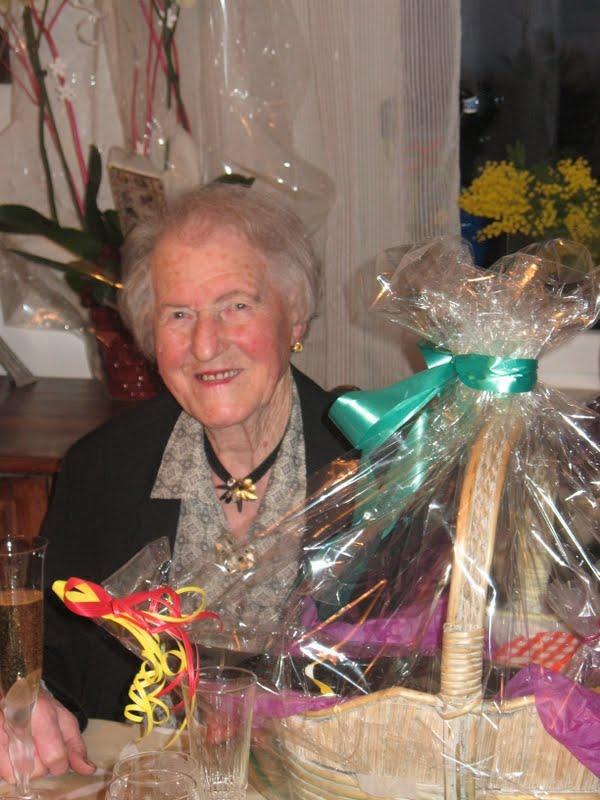 Yvonne Kratz (1921-2014) Talach10