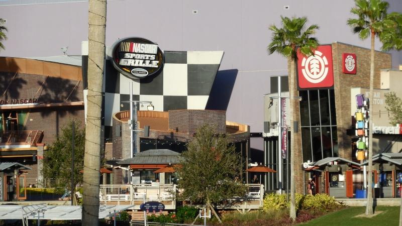 TR Walt-Disney World,Universal Studios, Et Daytona 500 Février 2013   - Page 12 Dscn0311