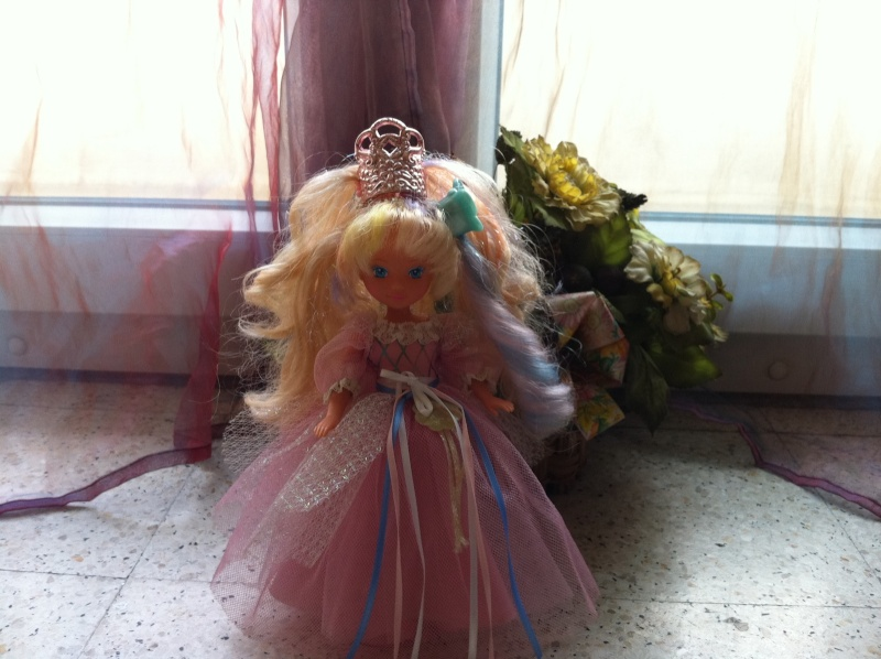 Ma Collection des Lady Lovelylocks by Vanessa - Page 3 Img_2012