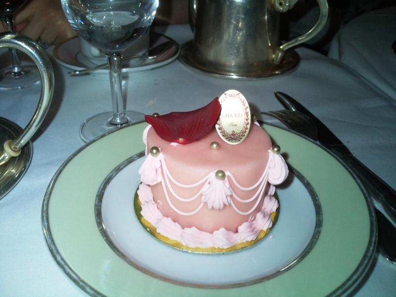 Gâteaux et autres friandises inspirés par Marie Antoinette - Page 12 Gateau11