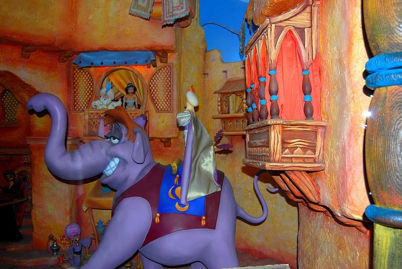 Un séjour plein de surprises à Disneyland Paris (Hotel New York 3j/2n) - Page 4 Disne113