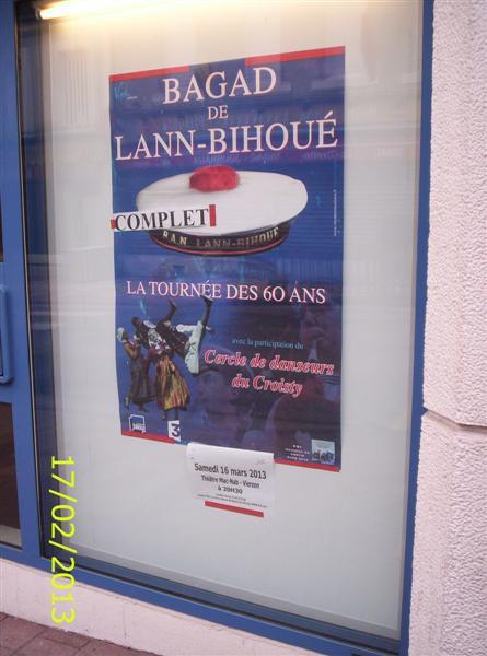 [La musique dans la Marine] Bagad de Lann-Bihoué - Page 13 100_1911