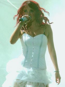 Dulce Maria-slike sa koncerata 2crak810