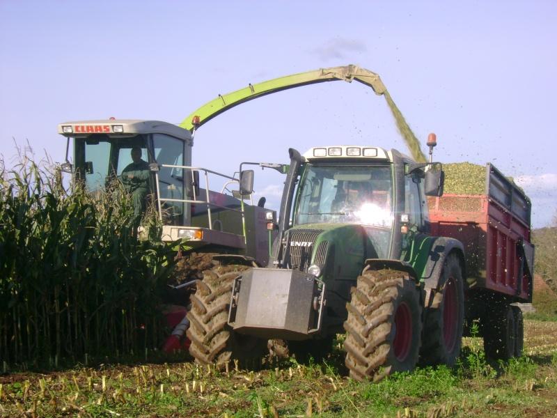 Ensilage de maïs 2008 - Page 6 Dsc05017