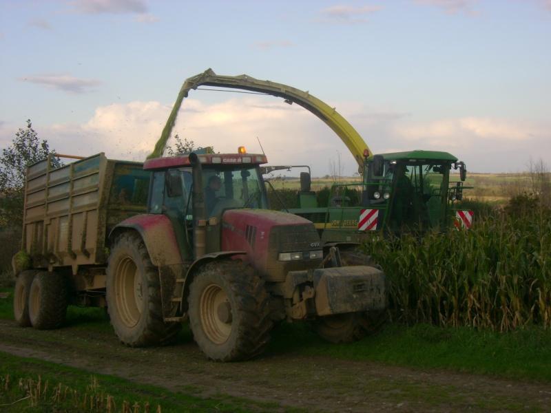 Ensilage de maïs 2008 - Page 6 Dsc05022