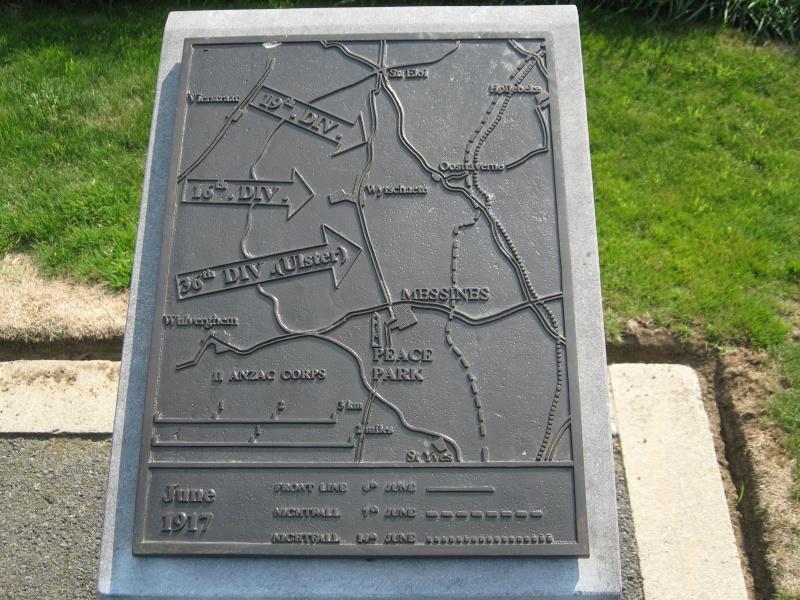 A la découverte des mémoriaux et cimetières militaires - Page 4 Img_4111