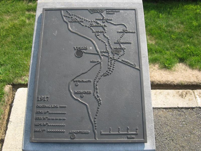 A la découverte des mémoriaux et cimetières militaires - Page 4 Img_4112