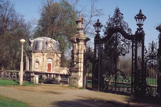 Le château de Champs sur Marne - Page 6 Grille10