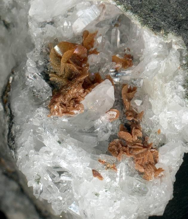 Minéraux des mines de charbon Quartz11