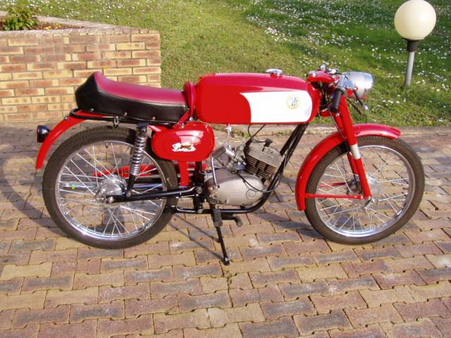 Et hop, une Béta Camoscio 1968 4 vitesses. P1010010