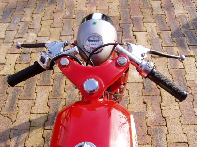 Et hop, une Béta Camoscio 1968 4 vitesses. P1010014
