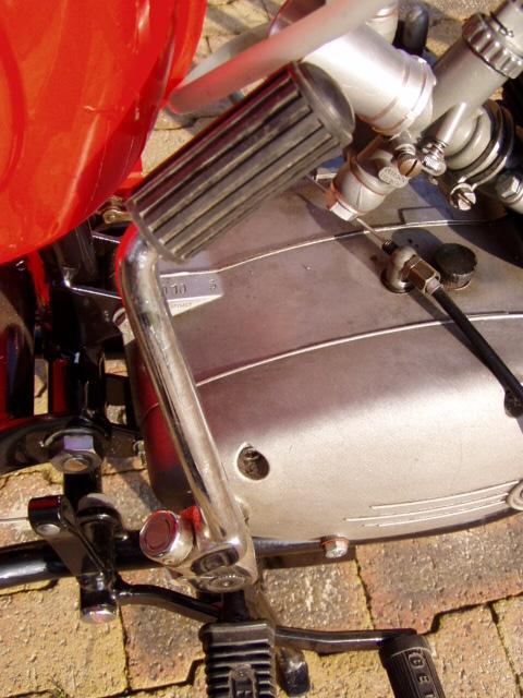 Et hop, une Béta Camoscio 1968 4 vitesses. P1010017