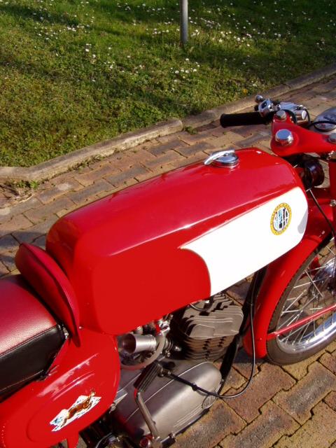 Et hop, une Béta Camoscio 1968 4 vitesses. P1010018