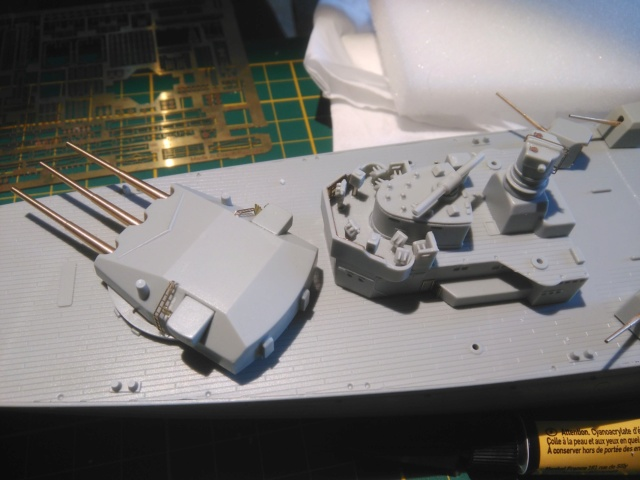 Admiral Graf Spee Academy 1/350 + PE Eduard + canons Master Model  Img_2077