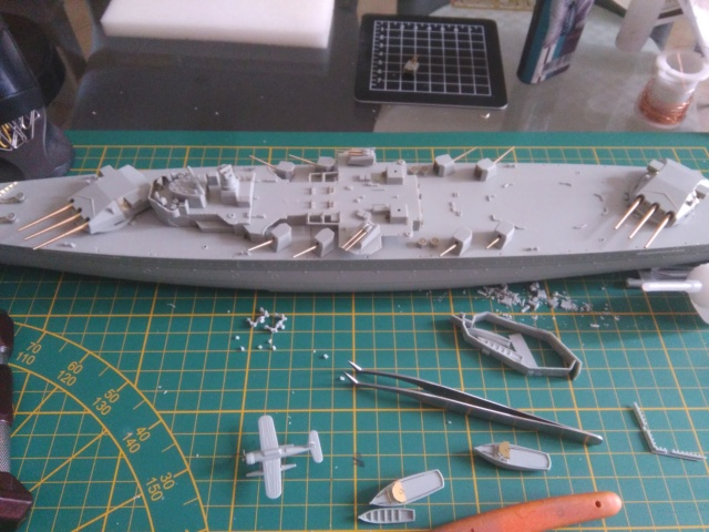 Admiral Graf Spee Academy 1/350 + PE Eduard + canons Master Model  Img_2087