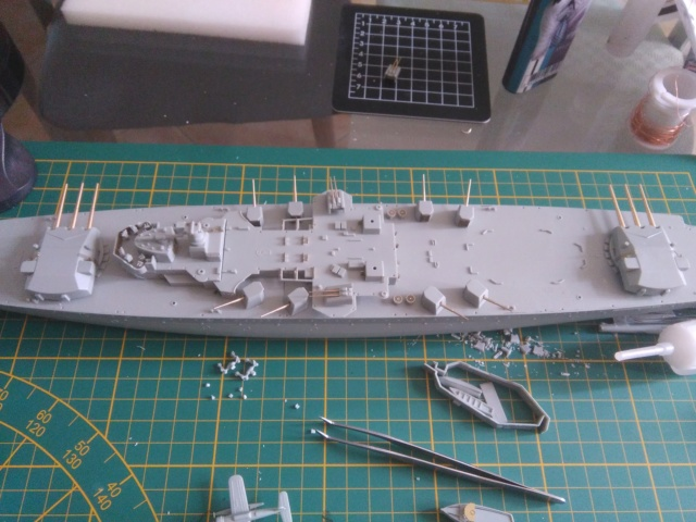 Admiral Graf Spee Academy 1/350 + PE Eduard + canons Master Model  Img_2088