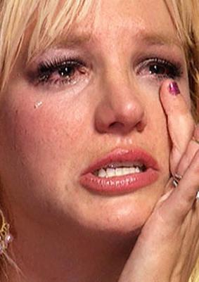 """بريتني تبكي في لقاء تليفزيوني """" أنا وحيدة وأحلم بعريس Large_10"""