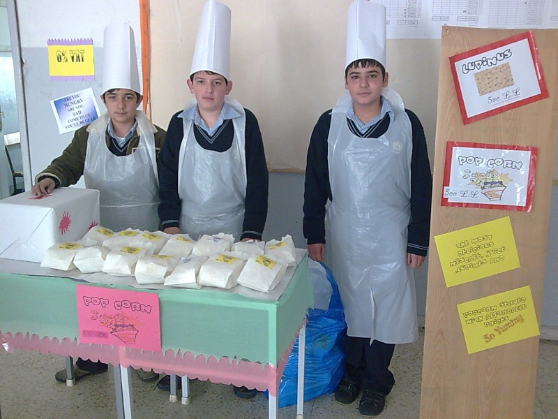 Grade 7 \'\'mini restaurant\'\' Image027