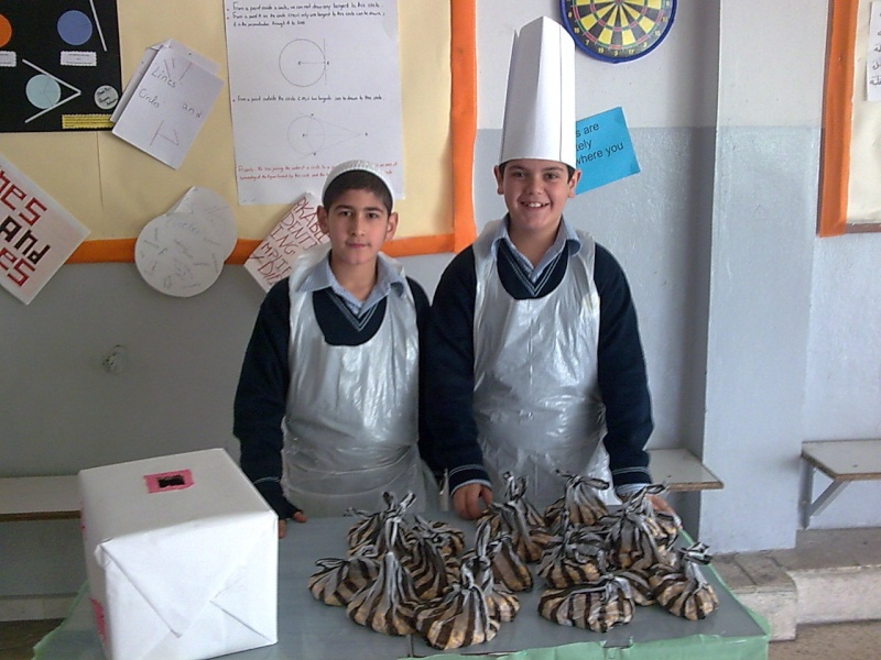 Grade 7 \'\'mini restaurant\'\' Image031