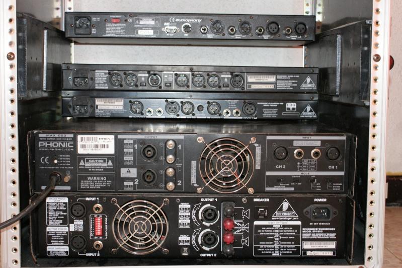 Vends fly caisse avec 2 amplis, 2 filtres et une boite a effect Dsc00211