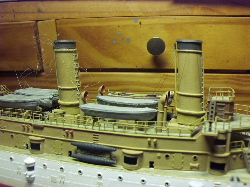 Croiseur USS Olympia Revell 1/232 - Page 2 4910