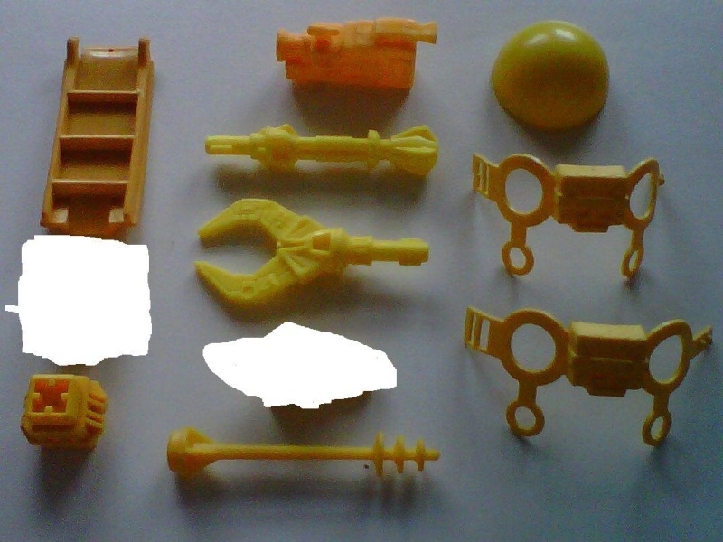Help me , aidez moi à identifier tout ceci ...merci Img01011