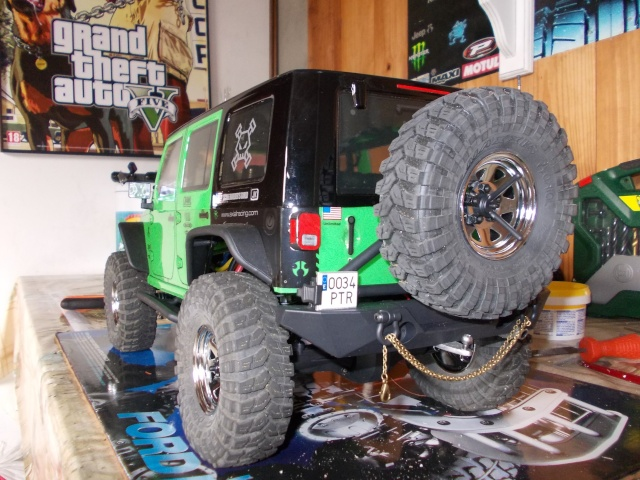 Axial scx10 Jeep Wrangler Unlimited Rubicon KIT - Página 4 Dscn1418