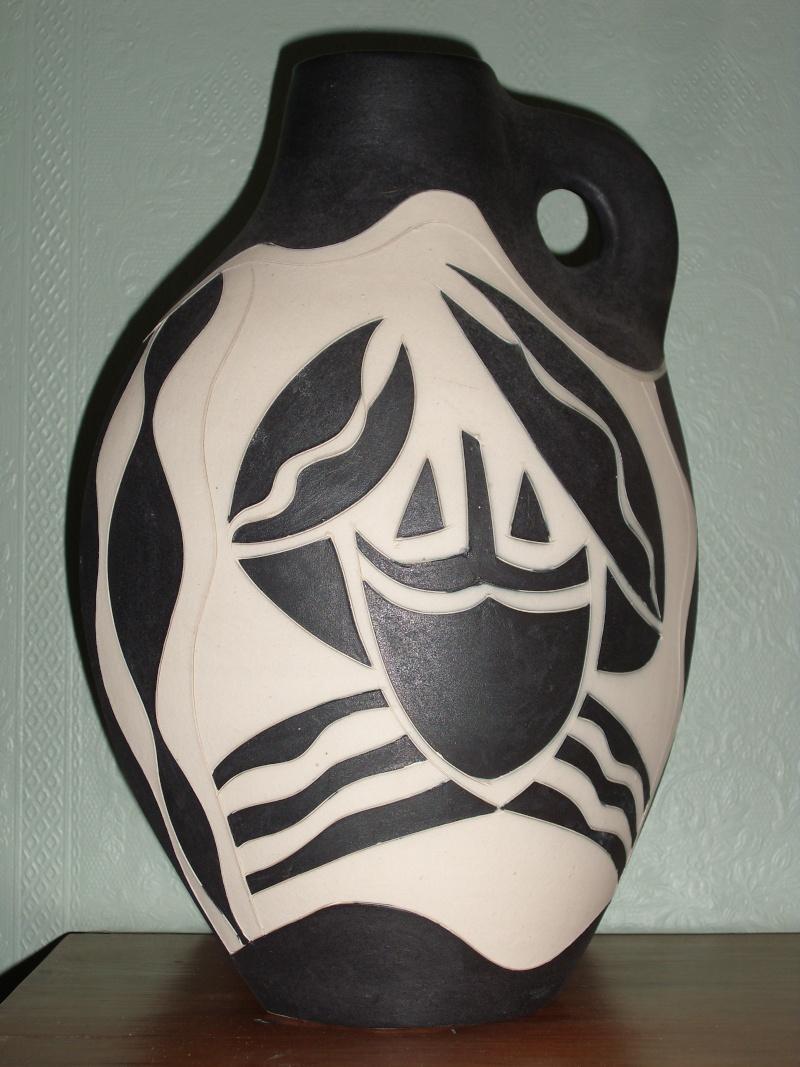 Modernistic vase find New_va11