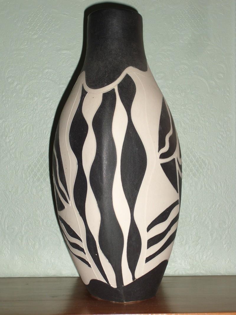 Modernistic vase find New_va12