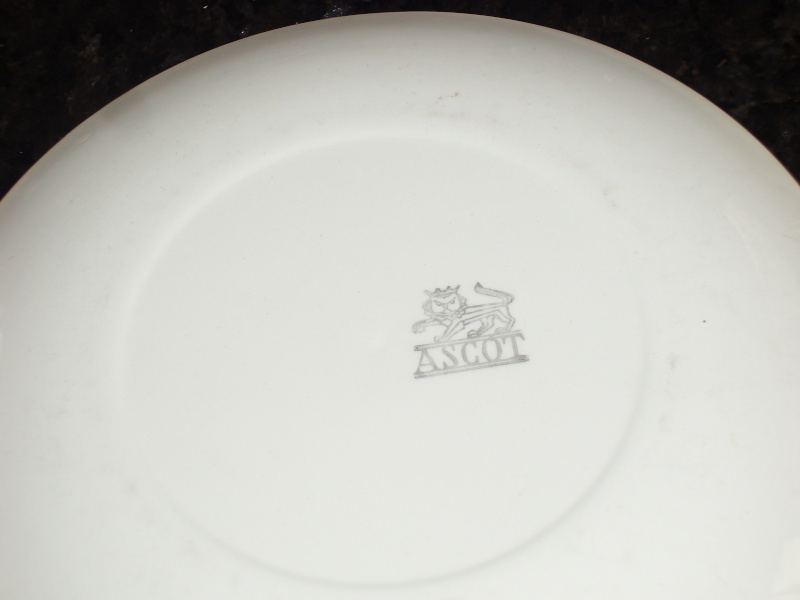 Crown Lynn Ascot plate Tiny_t16