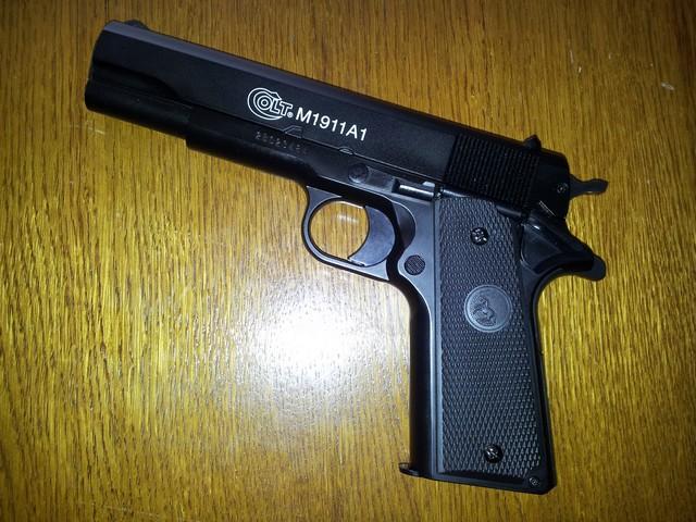 Pistolet airsoft ... 20130912