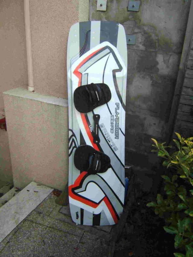 Flydoor 165 x46  350 euros  Flydoo10