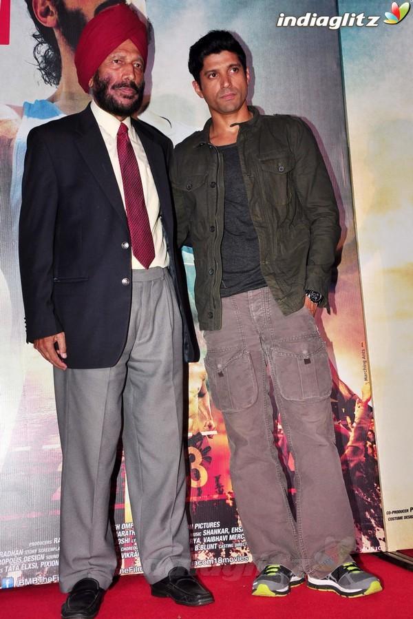 Launches 'Bhaag Milkha Bhaag' Trailer Bmb20117