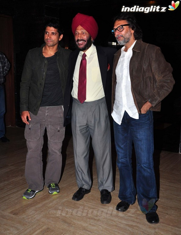 Launches 'Bhaag Milkha Bhaag' Trailer - Страница 2 Bmb20314