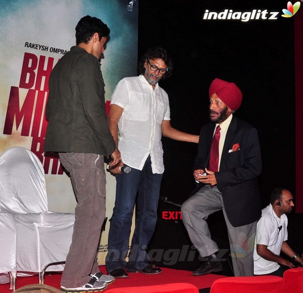 Launches 'Bhaag Milkha Bhaag' Trailer - Страница 2 Bmb20513
