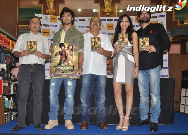 Vidyut Jamwal Launches 'Commando' DVD Comman24