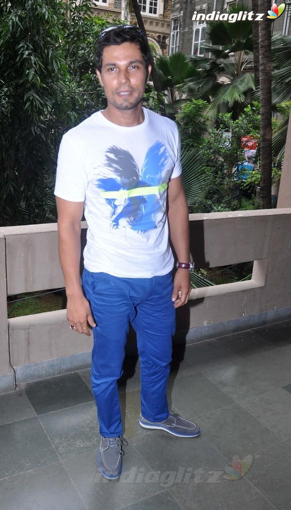 Randeep Hooda Promotes John Day@Malhar Festival Rdh18013