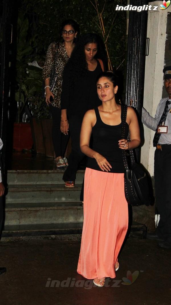 Kareena, Saif Dines With Alvira Khan Saif2011