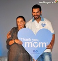 John Abraham Plays Basketball With Mom - Страница 2 120110