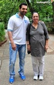 John Abraham Plays Basketball With Mom - Страница 2 1201310
