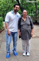 John Abraham Plays Basketball With Mom - Страница 2 1201410