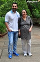 John Abraham Plays Basketball With Mom - Страница 2 120410