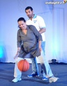 John Abraham Plays Basketball With Mom - Страница 2 John2023