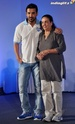John Abraham Plays Basketball With Mom - Страница 2 John2027