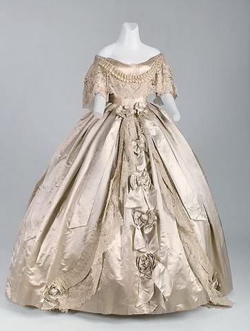 Les robes de l'impératrice Sissi 18067110