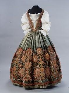 Les robes de l'impératrice Sissi 442_8410