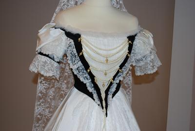 Les robes de l'impératrice Sissi 7b1010