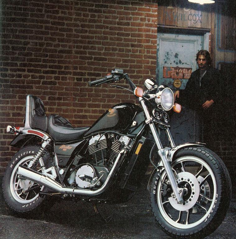 Phare rond / phare carré et Polo XLV le boudeur 1983-h10