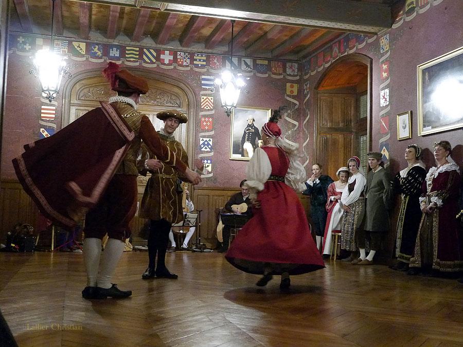 Bal Renaissance Chateau de  Courtanvaux le 20 Octobre 2012, les photos ! - Page 2 14720614