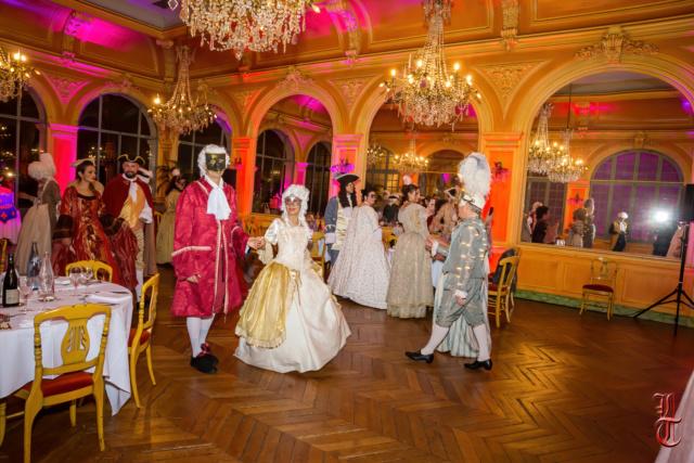 Les photos du Bal en costume XVIII eme siecle, 12 Octobre 2019 à l hôtel de France  - Page 3 20191017